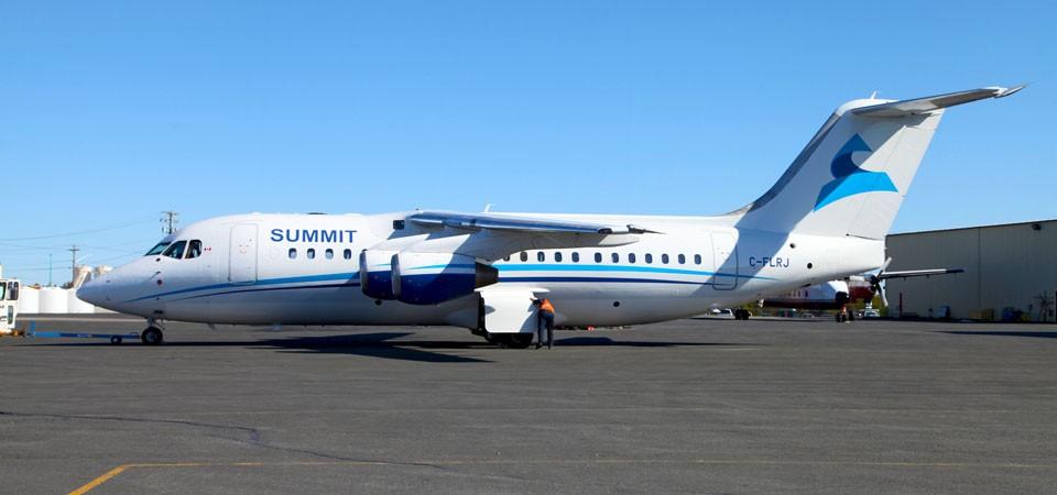 Summit Air - Avro RJ85